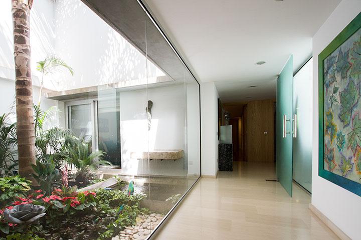 Diseo patio interior awesome diseo de exteriores with for Decoracion de patios interiores de casas